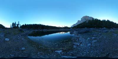 Koča pri Triglavskih jezerih je priljubljen cilj predvsem tujih planincev, ki obiščejo slovenske Julijske Alpe.