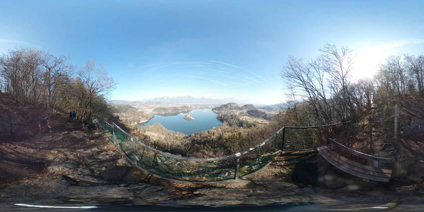 Mala Osojnica nad Bledom nudi izvrsten razgled na blejski grad, znana pa je po strmih stopnicah nad jezerom.