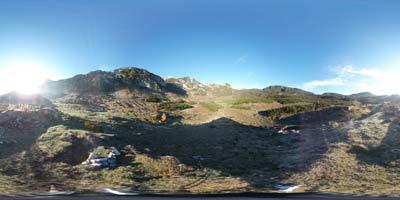 Planina Govnjač je večinamo prehodna planina na krožnih poteh preko Bogatina zahodno in Tolminskega Kuka južno nad njo.