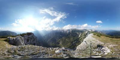 Rzenik se nahaja v vzhodnem gorenjskem predelu Slovenije visoko nad Kamniško Bistrico. Nahaja se poleg gore Konj z njega pa se zelo lepo vidi gora Ojstrica nad Korošico.