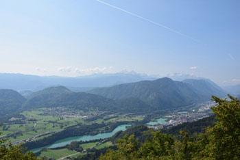 Ajdna nad Potoki je poznoantična višinska naselbina s katere se odpre razgled na reko Savo.