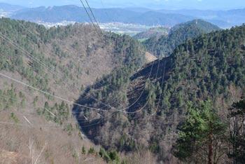 Besnica omogoča zelo lepo krožno pot na kateri bomo spoznali vrhove nad njeno dolino.
