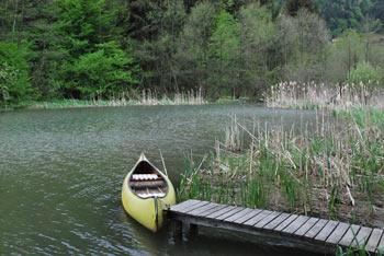 K Braslovškemu jezeru se rade odpravijo družine z majhnimi otroki, ki iščejo oddih in sprehod v naravi.