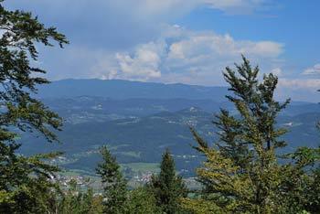 Krožna pot na Cicelj nad Moravčami in reko Savo v Posavskem hribovju je primerna tudi kot izlet za družine.