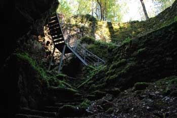 Divaška jama je eden najstarejših ohranjenih rovov reke Reke.