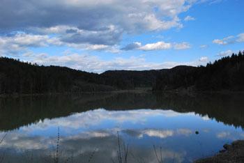 Gradiško jezero je bilo nekoč domovanje strašnega zmaja.
