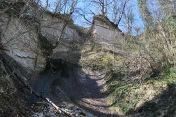 Po legendi je v Gruski jami živel puščavnik Eremit Valentin.