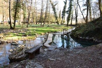 Klevevž je naravna toplica na Dolenjskem, ki jo vsako nedeljo obiščejo številni turisti, ki iščejo izlete po vsej Sloveniji.