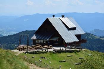 Koča na Golici je planinska postojanka v Zahodnih Karavanka v severnem predelu Slovenije, kjer se odlično vidijo vzhodne Julijske Alpe.