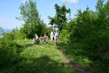 Koseški hrib je priljubljen med lokalnimi rekreativci, na njemu pa se nahaja planinska vpisna skrinjica.