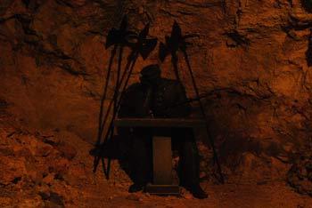 Votlina kralja Matjaža se nahaja v opuščenem rudniškem rovu in bo navdušila zlasti otroke.
