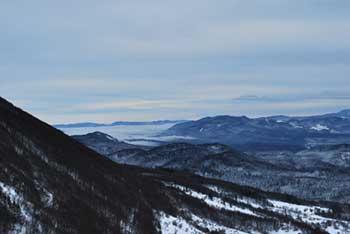 Križna gora se nahaja na vzhodnem delu Trnovskega gozda nad Podkrajem.