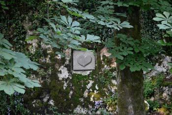 Dolina Marije Lurške v Lipici se nahaja na Krasu in je odlična izbira za družine z otroki, ko ne vemo kam na izlet.