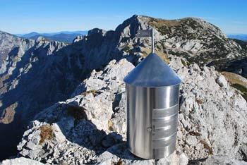 Malo Ojstrico malo planincev izbere kot samostojen cilj, saj jo obiščejo na poti k Ojstrici.