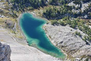 Mala Zelnarica se nahaja v osrednjem predelu Julijskih Alp nad Dolino Triglavskih jezer. Z nje se lepo vidi jezero Ledvica pod Velikim Špičjem in Veliko Tičarico.