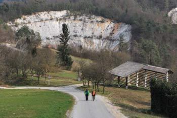 Pri Orlah stoji prazgodovinski Molnik in v legendo ovit Marenček.