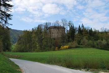Reber je vrh nad Trojanami z visokim razglednim stolpom.