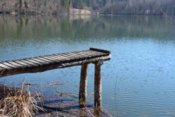 Eden od ribnikov v dolini Drage se imenuje Veliki ribnik, saj je največji.