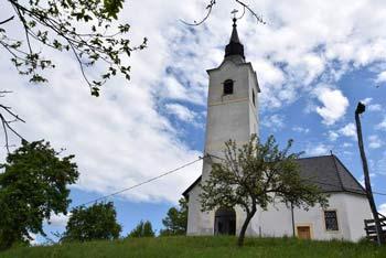 Na Šentjungert se odpravimo iz naselja Galicija, kjer stoji cerkev svetega Jakoba.
