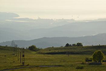 Slavnik je priljubljen primorski vrh, ki se nahaja v odročni Čičariji.