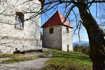 Sveti Ahac je cerkev na hribu Gora v bližini gradu Turjak.