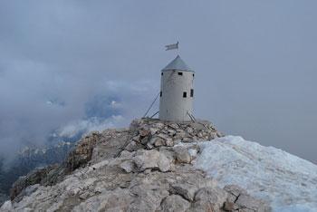 Triglav je najvišji vrh v Julijskih Alpah in simbol nas Slovencev.