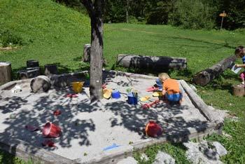 Na sprehodu po Ukancu bomo šli mimo igral za otroke in se seznanili s pravljičnimi bitji kot je Zlatorog.
