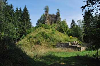 Grad Vodriž se nahaja v dolini Mislinje, blizu pa je tudi Forhtenek.