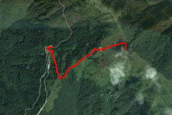 Pot na Kobiljo glavo se prične pri koči na planini Stador in je ves čas dobro označena in nadelana.