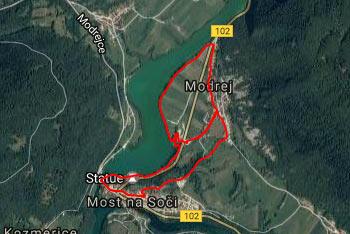 Izlet po Mostu na Soči nas večinoma vodi lepo urejena sprehajalna pot.