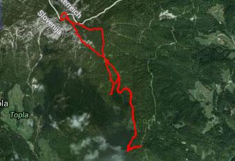 V vrh Pece nas pripelje GPS navigacija, čeprav orientacija ni težka.