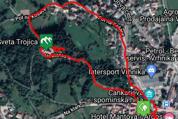 GPS sled prikazuje krožno pešpot, ki nas vodi do velike cerkve Svete Trojice nad Vrhniko.