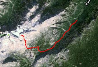GPS sled prikazuje pot na Triglavski dom na Kredarici.