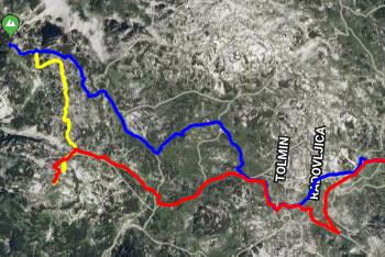 Dolga in deloma brezpotna pešpot na Veliko Monturo nas vodi od Savice ter preko Komne in Bogatinskega sedla proti Krnu.