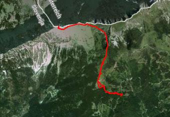 Pot na Veliki vrh vodi po širokih preglednih travnatih pobočjih zato gps navigacija ni nujno potrebna.