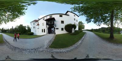Bogenšperk je eden izmed najlepših gradov v Sloveniji. Je priljubljen cilj predvsem nedeljskih izletnikov, k njemu pa zelo rade pridejo družine z majhnimi otroki. Njegov lastnik je bil tudi Janez Vajkard Valvasor, ki je v njemu ustvaril knjigo Slava vojvodine Kranjske.