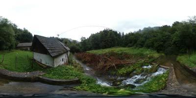 Debevčev mlin, ki se mu reče tudi Samotni mlin se nahaja poleg kraškega izvira potoka Oševek.