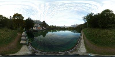 Izvir Glijuna je stalen kraški izvir, ki se napaja z voda s Krnskega pogorja. Njegova voda po kanalu teče v Plužensko jezero, deloma pa napaja slikovit slap Virje, ki je med turisti zelo priljubljen. .