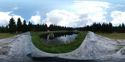 Koča na Pesku je planinska koča mimo katere vodi več pešpoti. Do nje se lahko zapeljemo tudi z avtomobilom po gozdni makadamski cesti.