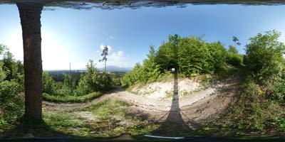 Koseški hrib je priljubljen med lokalnimi rekreativci in širše predvsem med nedeljskimi izletniki, ki se nanj povzpnejo s svojimi otroci mimo Mlinčkov.