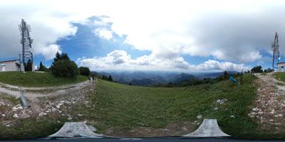 Kuk nad Livkom je najvišji vrh manjšega pogorja Kolovrat, ki se nahaja na zahodni meji Slovenije. Razgleden vrh je še posebej primeren za izlet z majhnimi otroki.