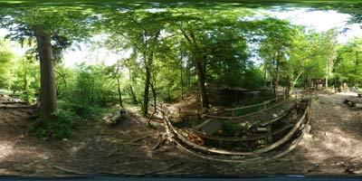 Mlinčki se nahajajo sredi gozda v bližini zdravilnega izvira Žegnan studenec blizu Komende. Do njih pridemo iz Suhadol, pot pa nas vodi ob reki Pšati.