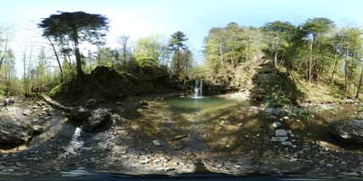 Peračica je potok z dvema slapovoma, ki ju obiščejo številnih izletniki, ki iščejo sprehod po neokrnjeni naravi. Izhodišče poti se nahaja na parkirišču romarskega središča Brezje na Gorenjskem.