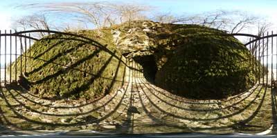 Na Radenskem polju se nahajajo tri velike ponorne jame, Zatočna jama, Lazarjeva jama in jama Pekel. Vanje se zlivajo vode s polja in nato ponovno izvirajo kot reka Krka.
