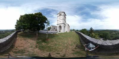 Repentabor se nahaja na Krasu v Italiji tik ob slovenski meji in je danes pomembno Marijino romarsko središče.