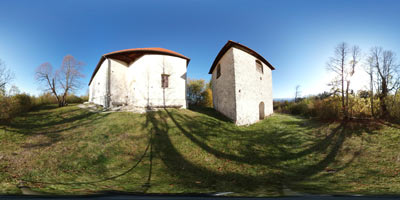 Sveti Ahac je cerkvica, ki spominja na protiturški tabor, nahaja pa se nad Turjakom.