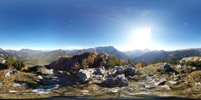 Virnikov Grintovec je razgledna gora na Jezerskem s katere se odpre razgled na vse strani neba.