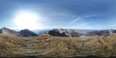 Vrh Krnic se nahaja na grebenu v Spodnjih Bohinjskih gorah, obiščemno ga pa na krožni pešpoti nad Bohinjem.