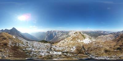 Vrh Planje je razgleden vrh na grebenu Spodnjih Bohinjskih gora. Preko gore vodi krožna pot na Tolminski Kuk. Vrh je razgleden proti Laževici in Krnu. Severno se vidi Dolina Triglavskih jezer in Mala Tičarica in Velika Zelnarica nad njo.