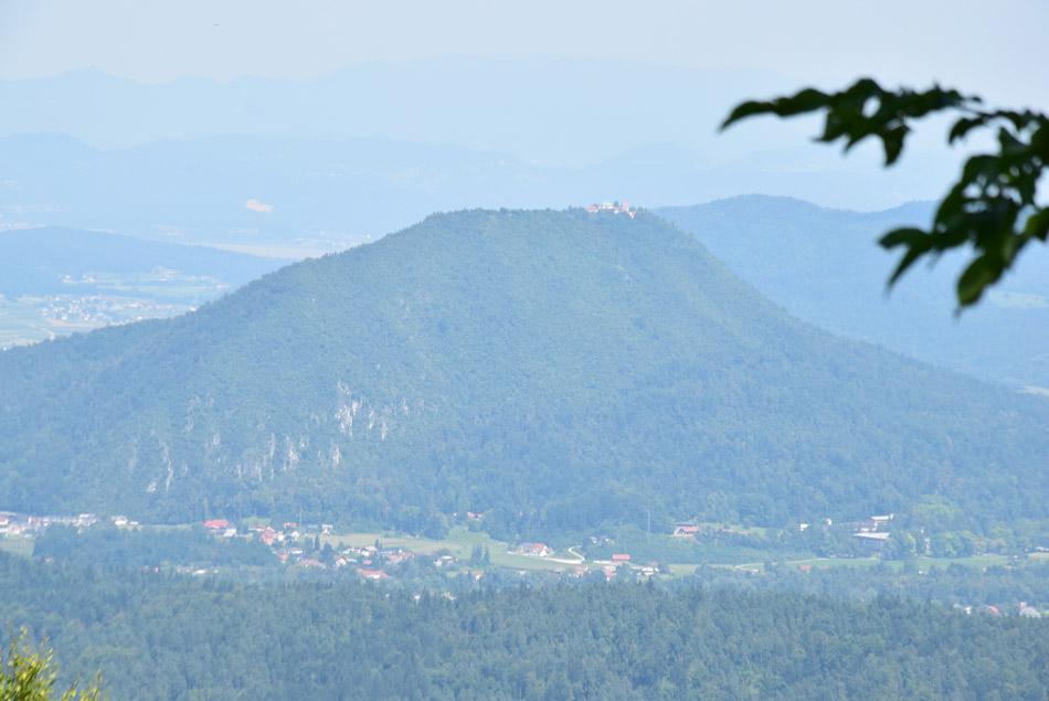 Pogled na Šmarno goro z Jeterbenka.